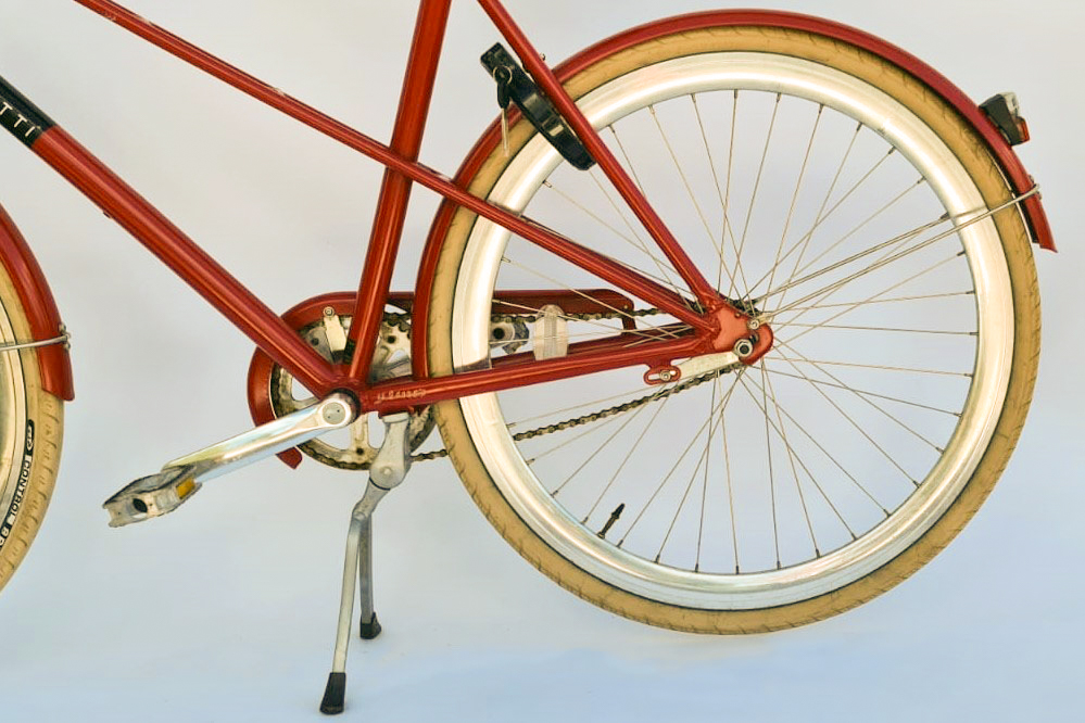 Veloretti caféracer dakota red detailfoto